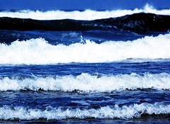 Shades of Blue (m4r00n3d) Tags: blue sea abstract beach topf25 water scotland nikon waves fife nikond50 lookatme nikkor iwant5 kinghorn judgementday scoreme judgementday53