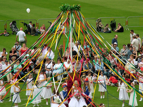 Bournville Maypole: The Queen's Basket