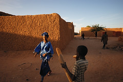 Baguette (Swiatoslaw Wojtkowiak) Tags: africa street city ladies boy food woman black beautiful beauty niger lady female breakfast bread pretty dress eat baguette elegant agadez hausa