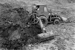 Scan20016 (smith.rodney74) Tags: tracks footprints dirt tyre clods heaped enclosedcab opererator slewpost ditchbucket