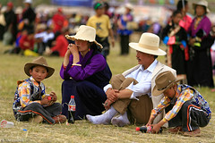 Tibetan Family (oeyvind) Tags: china tibet amdo kham     yushu qinghai chn   jyekundo gyegu