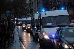 Police Convoy (Toni Kaarttinen) Tags: paris france night lights evening frankreich police frana frankrijk prizs francia convoy iledefrance parijs suns parisian pars  parigi frankrike  pary   francja policevehicle ranska pariisi  franciaorszg  francio parizo  frana