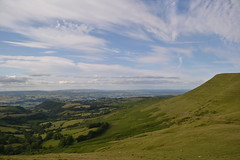 Lord Hereford's Knob, looking N past Hay Bluff and towards Mid Wales and Shropshire (Trapper John McIntyre) Tags: black mountains wales lord hay knob bluff herefords twmpa