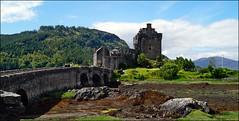 Eilean Donan Castle (tor-falke) Tags: scotland scottish schottland schottisch schottlandreise2015 scotlandtour schottlandtour flickrtorfalke torfalke sonyalpha alpha58 sony flickr dslr ruinen architektur outdoor
