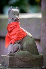 Fujifilm XF90mmF2 Test Shot (balbo42) Tags: test statue lens prime shrine inari fox fujifilm jinja shimokitazawa f20 xt1 xf90mm