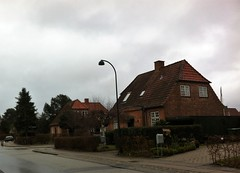 Gentofte - Lundeskovsvej (1921-24) (annindk) Tags: hellerup bedrebyggeskik streetscenes gardencities