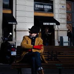Ciutat Condal (Luis Alvarez Marra) Tags: color outdoor barcelona spain catalonia elegance winter nikon d7000 35mm street streettog tog collecting soul candid hat smoke gloves red prime