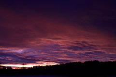 The Sun rise_2017_01_28_0001_1 (FarmerJohnn) Tags: sun rise sunrise auringonnousu taivas sky morning aamutaivas taivaanranta pilvet clouds colors colorfull värikäs talvi winter january tammikuu suomi finland laukaa valkola anttospohja canon7d canonef163528liiusm canon 7d juhanianttonen