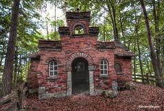 Schief -  Crooked (Reviersteiger) Tags: abandoned architektur verlassen vergessen