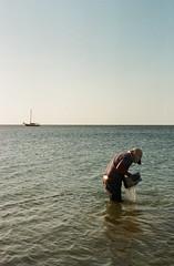 (Jeremy Hatcher) Tags: chile sea boat mar fisherman pescador bote mejillones