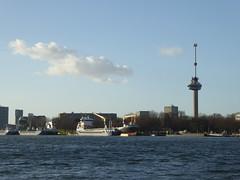 Rotterdam Parkade und Euromast (thomaslion1208) Tags: rotterda zuidholland holland niederlande rotterdam euromast maas