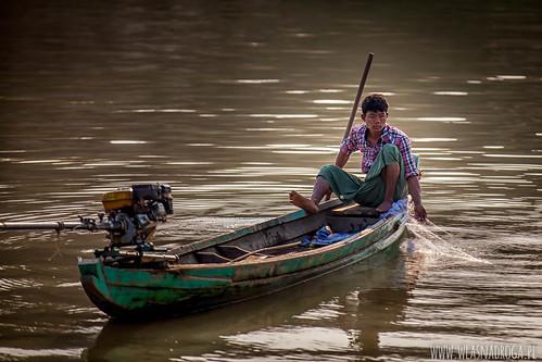Rybak na łódce