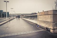 Charles de Gaulle fait du jogging (Gilderic Photography) Tags: paris france bridge running people jogging city ville perspective canon 500d gilderic pont street cinematic