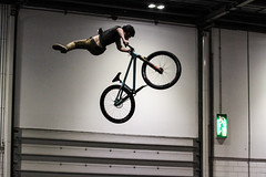 Air to the Throne 2017 (ARGreen93) Tags: sport london ramps extreme mountain bike dirt jump fmb world tour air throne 2017 canon 7d 70200 28 jumping big indoor tricks stunts uk alex green cycle show excel skate quarter pipe kicker 360 degree backflip argreen93