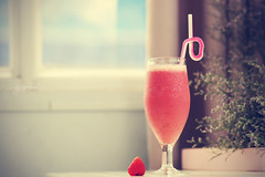 LTH_4837EB (Ly Thien Hoang (Lee)) Tags: red food color glass beautiful fruit yummy cool mix strawberry nikon fresh clean delicious health lovely product smoothie pure 85 d300 lythienhoang