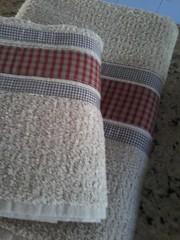 """20150614_164100 (""""ARTEIRICES"""" By RÔ IANGUAS) Tags: de banho jogos customizadas toalhas"""