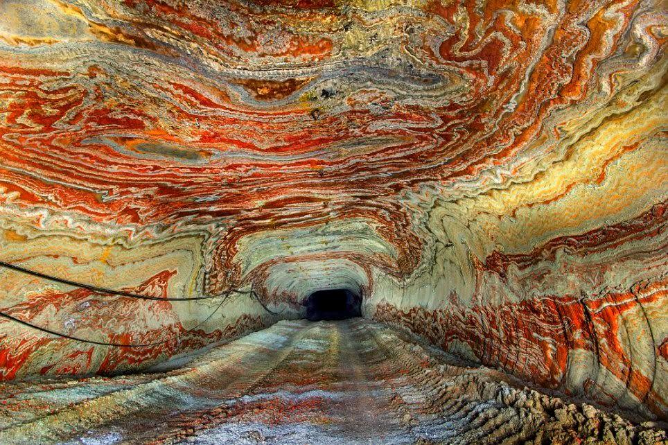 7Những họa tiết độc đáo do thiên nhiên ban tặng tại một hầm mỏ bỏ hoang ở Nga