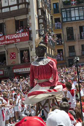 """SAN FERMIN 2015 14 • <a style=""""font-size:0.8em;"""" href=""""http://www.flickr.com/photos/39020941@N05/19505321280/"""" target=""""_blank"""">View on Flickr</a>"""