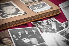Recuerdos (17) (Pablo Guerra Castro) Tags: fotos foto recuerdos memories album 31das blancoynegro blackandwhite bw bn