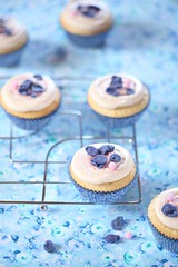 White Chocolate Violet Cupcakes (Мiuda) Tags: violet white chocolate cupcake cupcakes blue floral background macro food dessert cake cakes baking bakery pastry frosting flower tasty delicious sugar gourmet patisserie patissier closeup foodphotography foodphoto