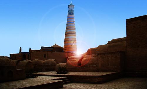 "Torres legendarias / Faros, minaretes, campanarios, rascacielos • <a style=""font-size:0.8em;"" href=""http://www.flickr.com/photos/30735181@N00/31722257263/"" target=""_blank"">View on Flickr</a>"