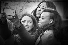 six eyes (heinzkren) Tags: selfie girls tourists vienna street road strase people menschen leute candid ungestellt augen eyes wien albertina foto photo handy ladys damen youth jugend travel reise personen bw noiretblanc bnw