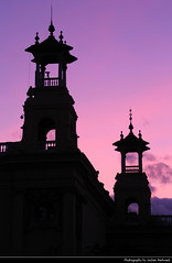 Palau de la Reina Victòria Eugènia @ Sunset, Barcelona, Spain (JH_1982) Tags: palau de la reina victòria eugènia 1929 barcelona international exposition trade fair landmark architecture historic building spire spires roof roofs sky purple pink silhouette silhouettes sunset ocaso sonnenuntergang coucherdesoleil pôrdosol tramonto закат zonsondergang zachódsłońca solnedgång solnedgang auringonlasku apus залез matahariterbenam mặttrờilặn 日落 日没 evening glow barcelone barcellona 巴塞罗那 バルセロナ 바르셀로나 барселона catalonia catalunya spain espana spanien españa espagne spagna 西班牙 スペイン 스페인 испания fira hue light color colour colorful colourful