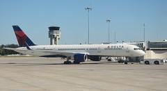DL B7520TLS (Luis Fernando Linares) Tags: aviation delta boeing toulouse tls charter winglets 757200 avgeek n703tw