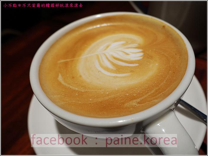 新村梨大 waffle it up cafe (8).JPG