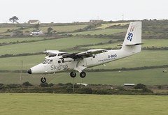 G-BIHO Skybus Twin Otter 310 @ Lands End Airfield, St Just, Cornwall. (Cornish Aviation) Tags: st cornwall twin britten norman islander just otter end lands isles stol airfield scilly skybus of gbiho gcewm gssky gbubn