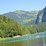boating-on-lake-montriond