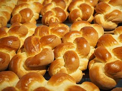 Hefekranz tresse de paques (CampusFrance) Tags: france stand pain baguette français brioche boulangerie gastronomie restauration rayonnement plusieurs tressée