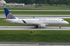 United Express (SkyWest Airlines) Embraer E-175 N116SY KCMH 26JUL15 (FelipeGR90) Tags: columbus ohio columbusohio oo cmh skywest unitedexpress embraer175 portcolumbus skywestairlines e175 erj175 skw kcmh ejets n116sy superspatula