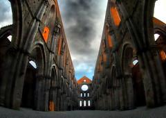 Abbazia di San Galgano (Si) - Toscana (Dino-S.B.Tr.) Tags: san galgano cattedrale senzatetto architettura abbazia
