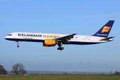 TF-FIG_EMA_221216_KN_256 (JakTrax@MAN) Tags: tffig egnx ema east midlands icelandair cargo freighter boeing 757 757f 757200 757200f