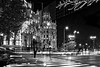 Fin de fiesta (Carhove) Tags: madrid cibeles street streetphotography night light blancoynegro blackwhite spain españa nikon d750