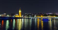 El Támesis y sus luces / The Thames and its lights (D. Lorente) Tags: dlorente nikon nocturna london larga long támesis río reflection reflejo reflections urban urbana