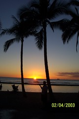 Waikiki Beach Sunset (jcsullivan24) Tags: waikikibeach oahu hawaii