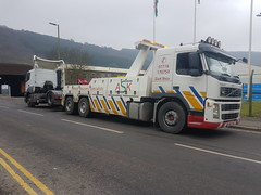 2017-02-10 09.48.44 (JAMES2039) Tags: volvo fm12 tow towtruck truck lorry wrecker heavy underlift heavyunderlift 6wheeler 4wheeler rear rearsuspend ca02tow cardiff rescue breakdown ask askrecovery recovery merc mercedes axor tractor unit tractorunit