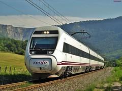 120 (firedmanager) Tags: 120 train tren bizkaia caf renfe trena altavelocidad orduña automotor alvia renfeoperadora
