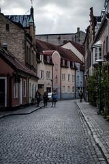 DSCF4502-2 (SkipperWP) Tags: city people lund building skåne cityscape sweden outdoor sverige streetview