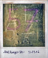57 (web.werkraum) Tags: karlkungerstrase berlintreptow 57 nummer ks 2006 polaroid zahl ziffern mauer zeichen wand kreide album 1111 association art architektur zahlensammlung dopplung berlin karinsakrowski berlinerknstlerin color deutschland dual dokumentation documentation europa germany galerie meinberlineratelierab2008beiflickr nahaufnahme original street tagesnotiz typography typographie typo urban vertrautheit webwerkraum wegzeichen