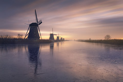 Crystal Mills (Raúl Podadera Sanz) Tags: crystal ice mill mills holland wind lake river sunset sunrise longexposure colors amsterdam rotterdam