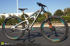 Yeti55Complete2 (The Bike Company) Tags: yeti cycles bicycles mountain bike carbon turq 55 29er complete bikeco custom build chrisking nox purposebuiltwheels