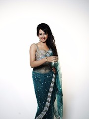 South Actress SANJJANAA Unedited Hot Exclusive Sexy Photos Set-18 (26)