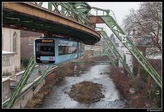 WSW 04 - Völklinger Straße (Spoorpunt.nl) Tags: 2 januari 2017 wsw wuppertaler stadtwerke gtw 15 04 nieuwe schwebebahn halte völklinger strase wagen