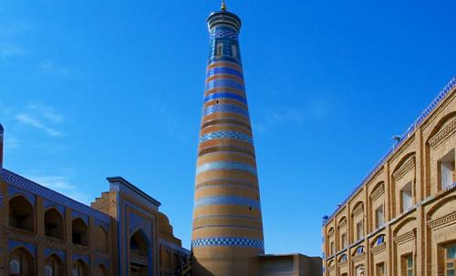 "Torres legendarias / Faros, minaretes, campanarios, rascacielos • <a style=""font-size:0.8em;"" href=""http://www.flickr.com/photos/30735181@N00/32155282720/"" target=""_blank"">View on Flickr</a>"