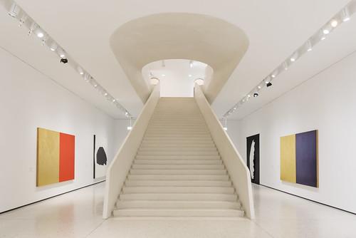 Upstairs (GER.LA - PHOTO WORKS) Tags: stairs staircase museum modern staedel frankfurt architecture architektur art ortederkunst gerla