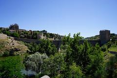 """알컨타라 다리,Toledo (ott1004) Tags: 철판 알컨타라다리puentedealcantara """"망치와정"""" 다마스끼나damasquinado 톨레도toledo 성당의종탑 타호강riotajo 똘레도대성당toledocathedral 소코도베르광장plazazocodoversquare alsabus"""