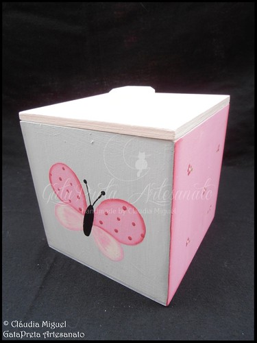 """Fraldário, cesta, moldura, placa de porta e caixa cúbica """"Sweet Butterfly"""""""